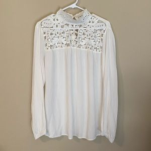 Who What Wear romantic top, size large